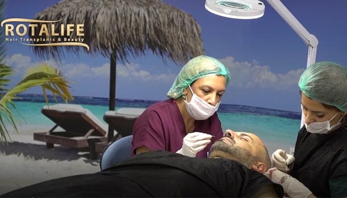 Procesi i Transplantimit të Flokëve